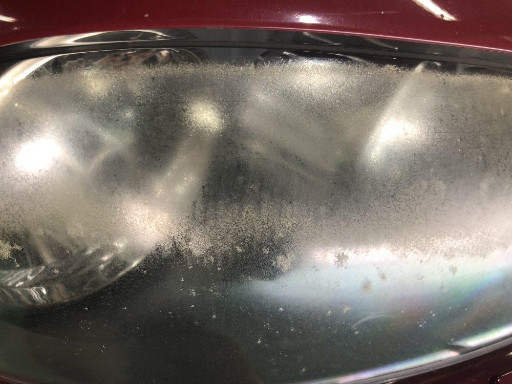 アルファロメオ147のヘッドライト磨き