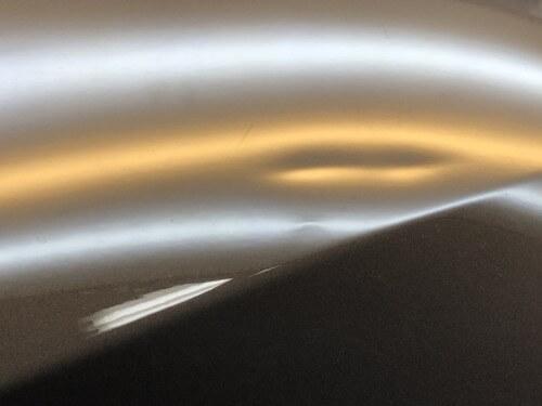 IMG 4571 - 【BMW】1シリーズ/ボンネットのデントリペア